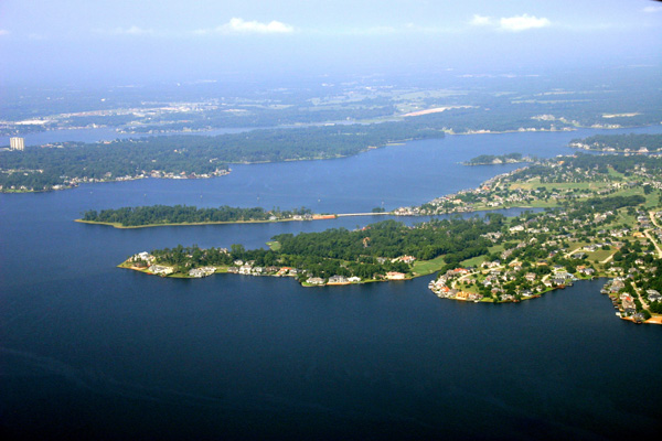 Aerial tour of lake sunset shores rv park on lake conroe for Fishing lake conroe